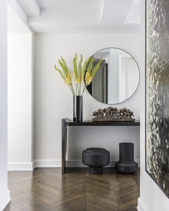 High contrast entryway with black entry console table -  the difference between console, sofa, and end tables and does it matter - by the savvy heart.jpg