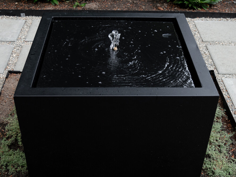 How to make a modern square feature fountain with infinity look.jpg