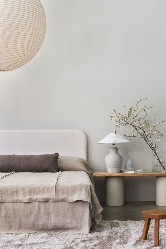 Modern and contemporary tapered, empire and coolie style lamp shades for a timeless home